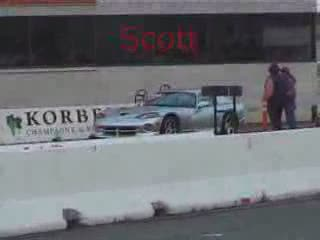 Silver viper in a drag race  from:DotComd